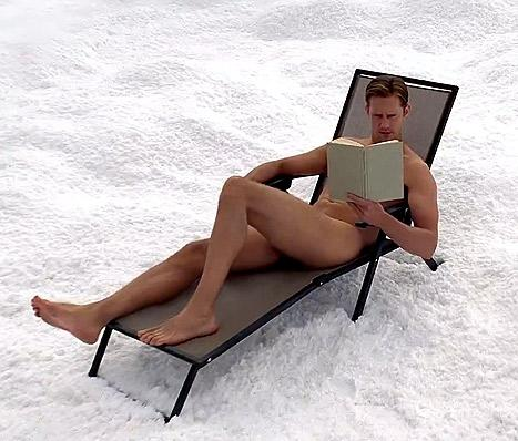 Alexander Skarsgard Goes Full Frontal Nude on True Blood Season Six Finale