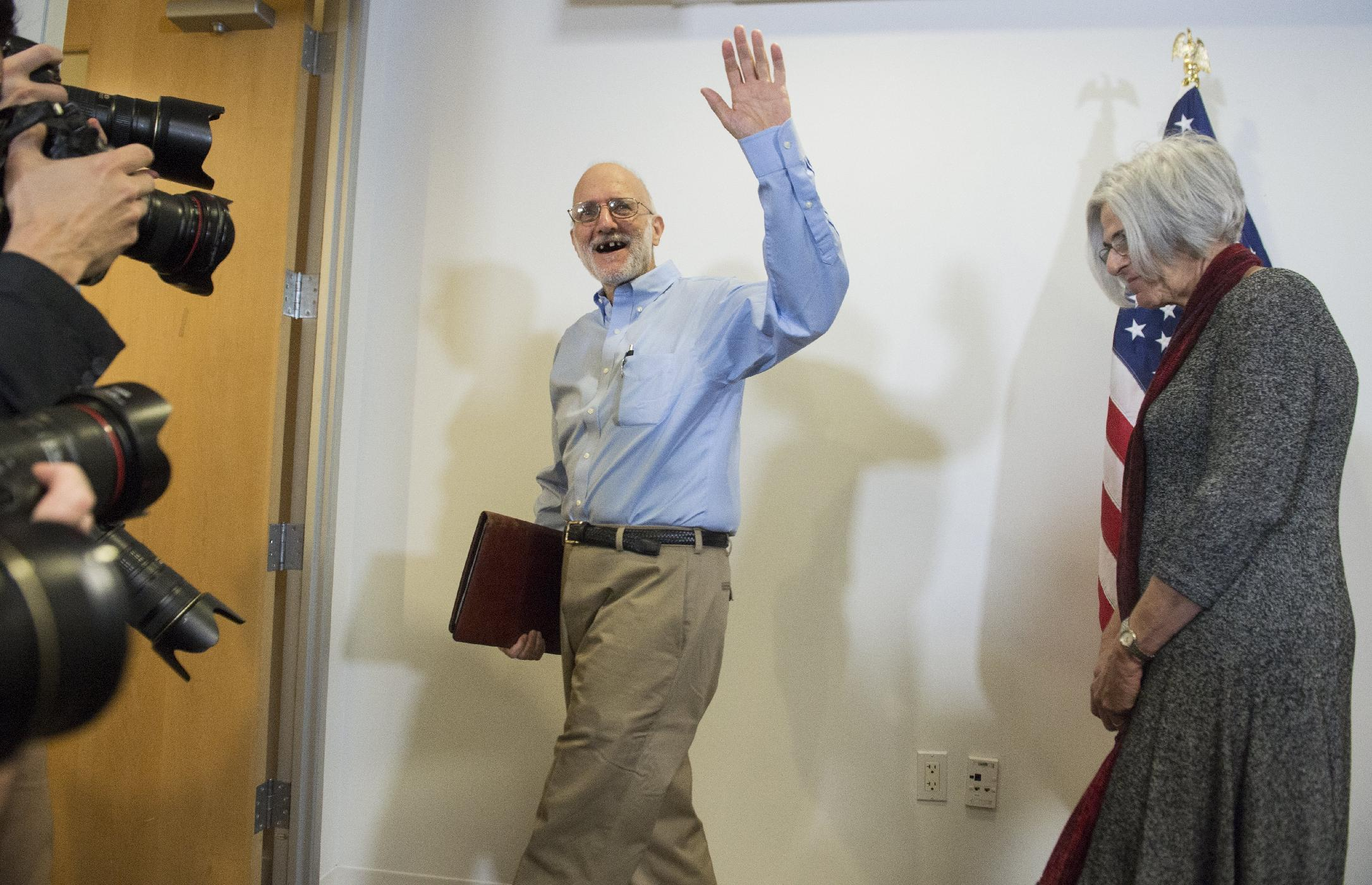 Jailed American, safely back home, hails Cuba shift