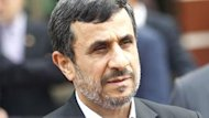 Iran&#39;s Ahmadinejad scoffs at Western sanction
