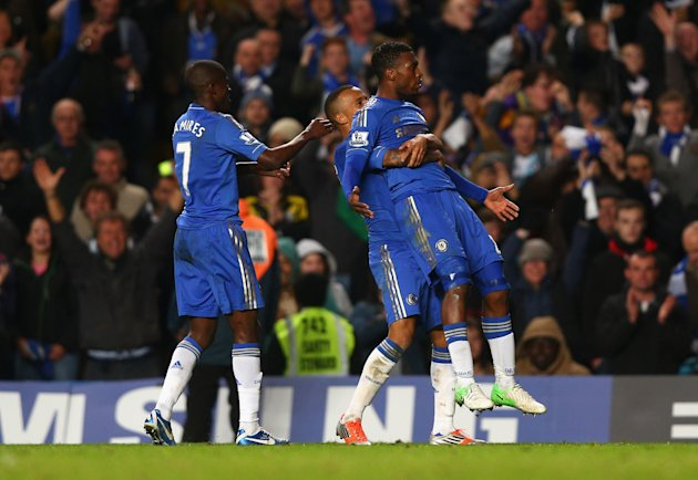 LONDON, ENGLAND - OCTOBER 31: Daniel Sturridge of Chelsea celebrates his goal with team mates during the Capital One Cup Fourth Round match between Chelsea and Manchester United at Stamford Bridge on October 31, 2012 in London, England. (Photo by Clive Rose/Getty Images)