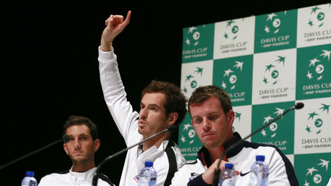 Great Britain's Andy Murray, Team Captain Leon Smith and James Ward during a press conference