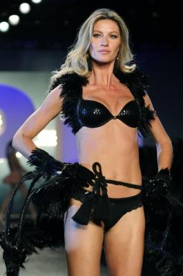 Gisele Bundchen walks the runway during the 'Hope' Valentine Day Special Collection Launch Fashion Show, Sao Paulo, Brazil, on May 12, 2011 -- WireImage