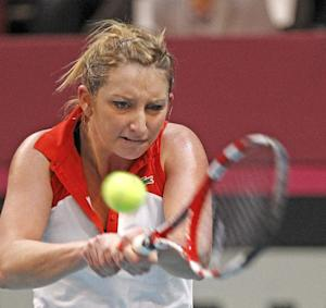 France beats Switzerland 3-2 in Fed Cup