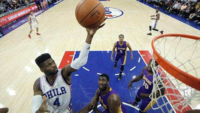 76ers win 1st game of season, honor Kobe Bryant with video