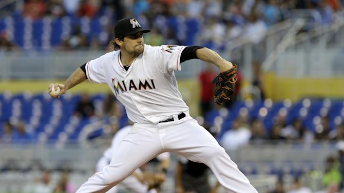 Marlins rally late to beat Mets 4-3
