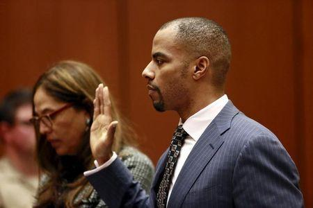 Ex-NFL star Sharper set to change plea in federal rape case