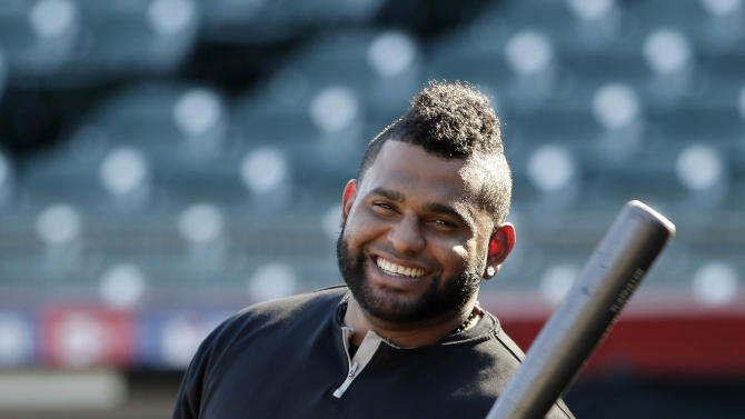 AP Source: Sandoval reaches deal with Red Sox