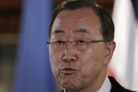 U.N. chief, visiting Ebola countries, urges respect for health rules