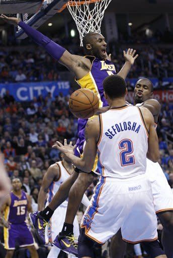 Thunder hold off Lakers' late charge, win 114-108