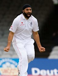 Monty Panesar claimed two scalps in the morning session on his return to Test cricket