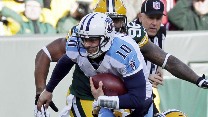 Green Bay Packers' Clay Matthews sacks Tennessee Titans quarterback Jake Locker (10) during the first half of an NFL football game Sunday, Dec. 23, 2012, in Green Bay, Wis. (AP Photo/Morry Gash)