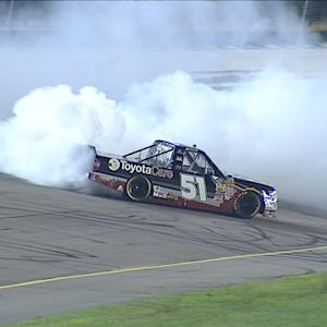 Jones holds off Blaney for win at Iowa