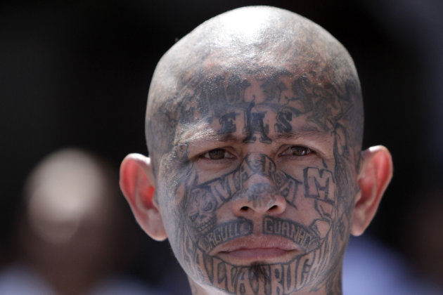 Un integrante de la mara MS-13 en la prisin de Ciudad Barrios, El Salvador, en esta fotografa del 26 de marzo de 2012. Seis meses despus de que El Salvador negociara una tregua histrica entre dos 