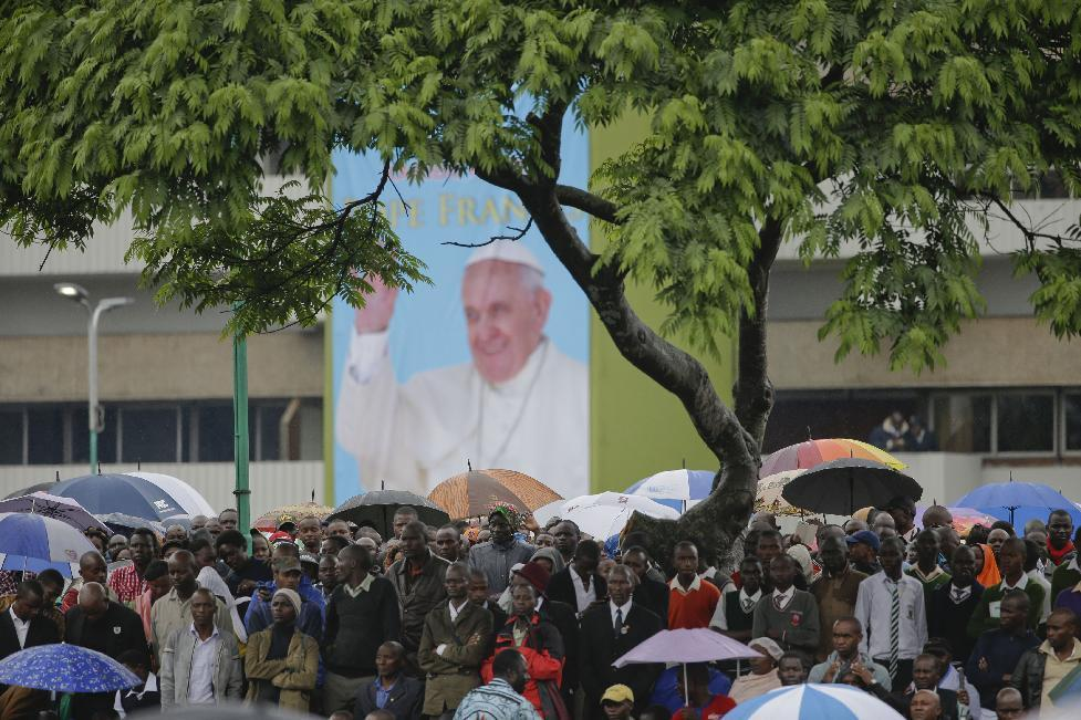 Pope says Christian-Muslim dialogue 'essential' for peace