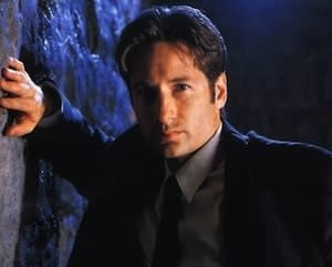 TVLine Items: Mulder Joins X-Files at Comic-Con, 24 Alum Is One of TNT's Lost Angels and More!