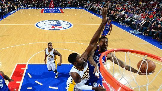 Carter-Williams' layup lifts 76ers to 93-92 win over Pacers