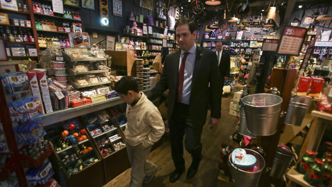 U.S. Republican presidential candidate Marco Rubio arrives for lunch with son Dominick at a Cracker Barrel restaurant in Okatie, South Carolina