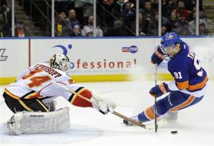 Tavares has goal, assist to lead Isles past Flames