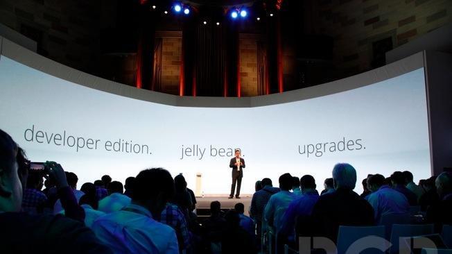 Motorola bets users $100 it can upgrade their 2011 Android device to Jelly Bean