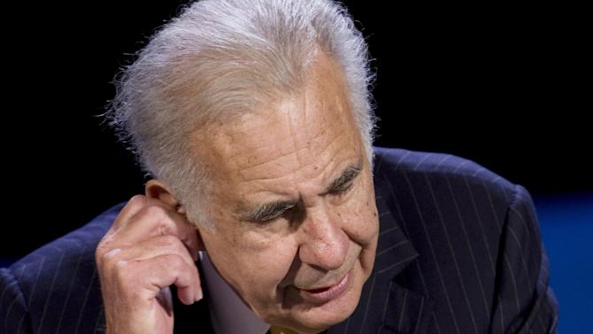 FILE - In this Thursday, Oct. 11, 2007, file photo, private equity investor Carl Icahn speaks at the World Business Forum in New York. Billionaire investor Carl Icahn said Tuesday, Dec. 4, 2012, he is giving up his bid to buy truck maker Oshkosh after less than 25 percent of the company's shares were tendered before his offer expired. Last week Icahn made it clear that he would walk away from his bid that valued the company at about $3 billion if the threshold wasn't met. The tender offer expired on Monday, with about 22 percent of the shares tendered.  (AP Photo/Mark Lennihan)