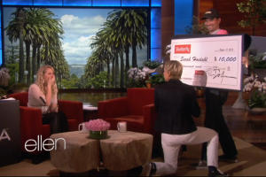 Ellen DeGeneres Pays it Forward With Whopping $10K Tip to Waitress (Video)