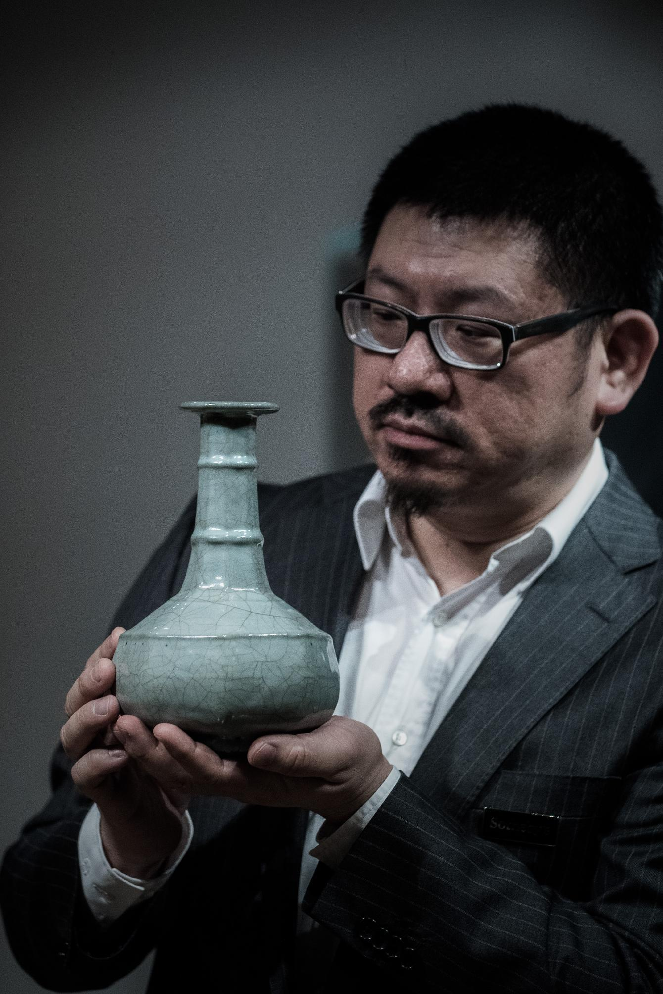 Ancient Chinese vase set to fetch $7.7 mn in Hong Kong