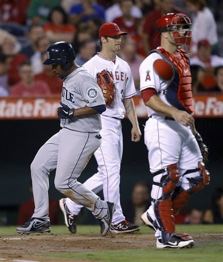 Hunter's clutch hits drive Angels past Mariners