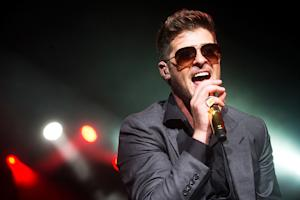 Robin Thicke Plots 2014 Tour