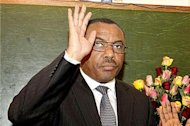 Ethiopia&#39;s new PM sworn into office