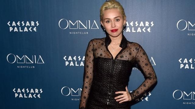 We Have Miley Cyrus to Thank for 'Grace and Frankie' Season 2
