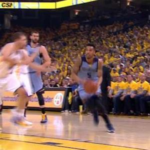 Bogut Blocks Lee