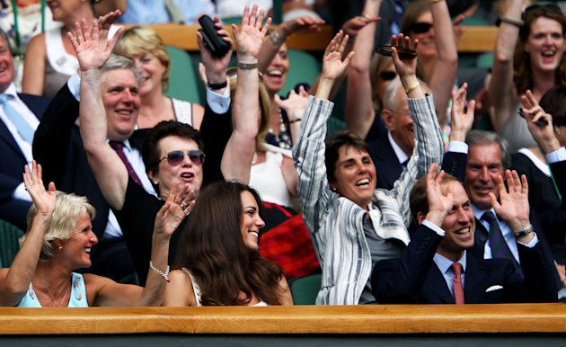 Kate Will wave Wimbledon