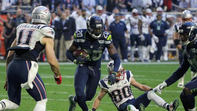 Seattle Seahawks cornerback Jeremy Lane intercepts a New England Patriots pass in the first quarter of the NFL Super Bowl XLIX football game in Glendale