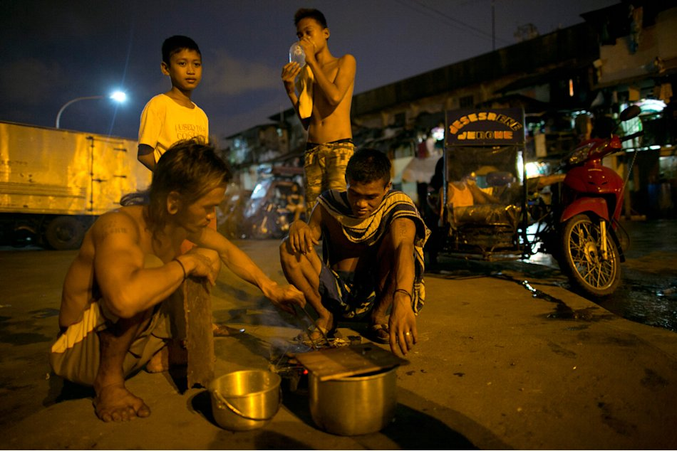 Overpopulation and Underemployment: Faces of Poverty in Manila