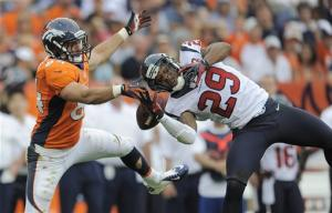 Manning comes up short, Texans beat Broncos 31-25
