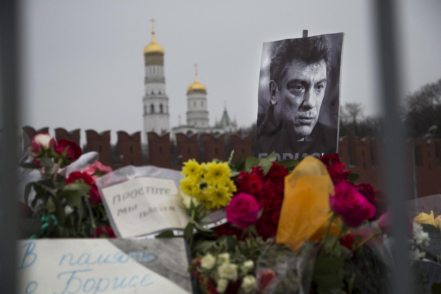 Video reports conflict in probe of Putin critic's slaying