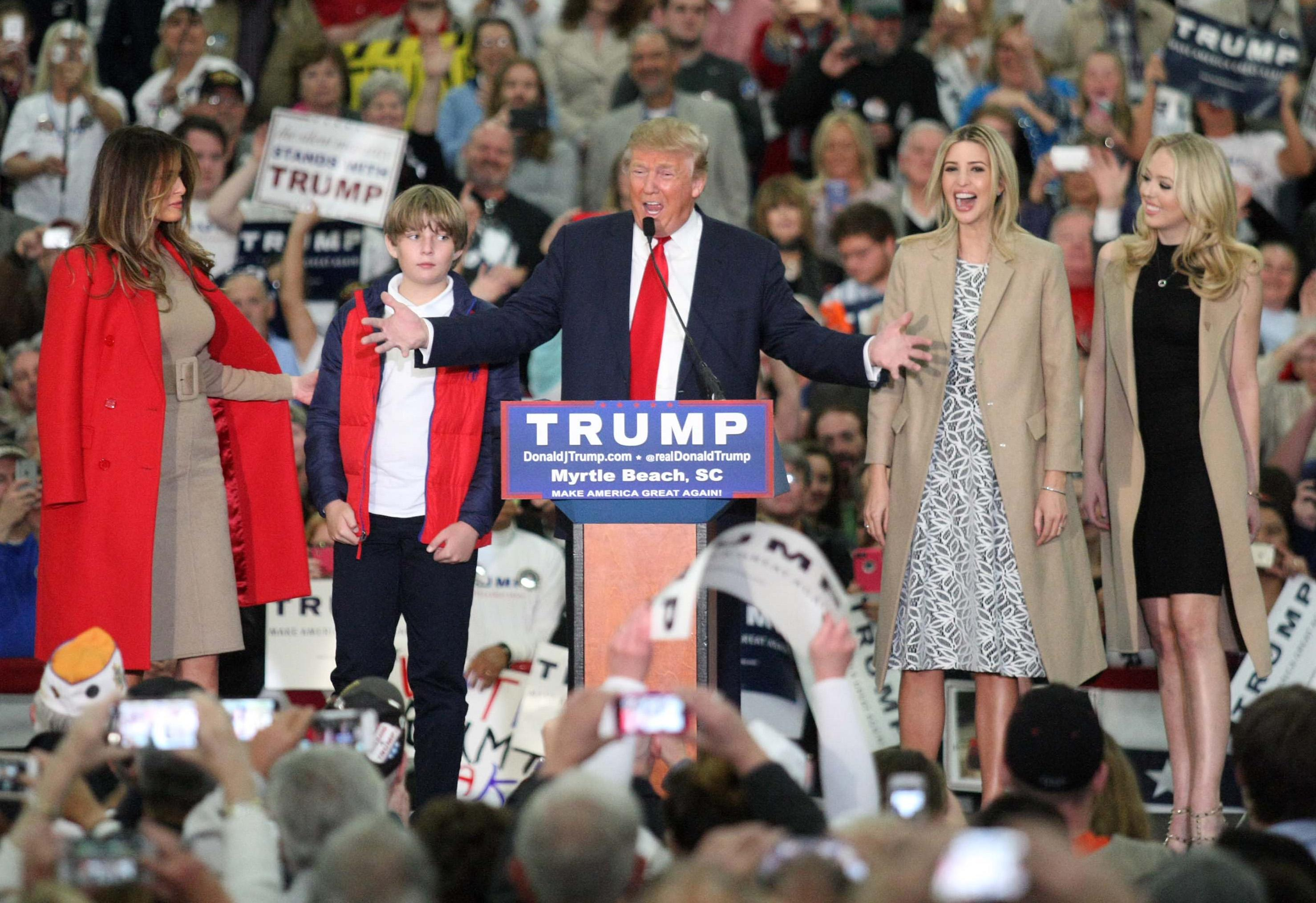 Trump's family joins him on South Carolina campaign