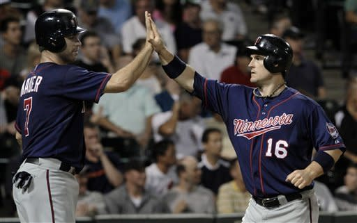Parmelee, Twins go batty in 18-9 rout of White Sox