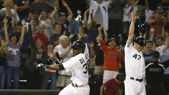 De Aza triple lifts White Sox past Yankees, 6-5