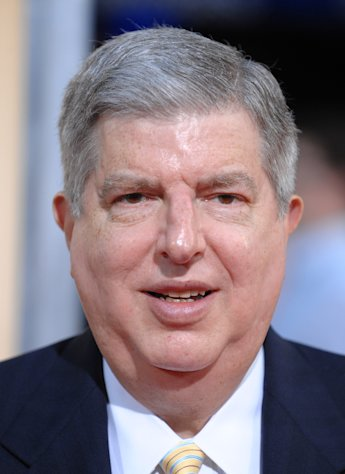 "FILE - This Sept. 15, 2009 file photo shows composer Marvin Hamlisch attending the premiere of ""The Informant"" at The Ziegfeld Theatre in New York. Hamlisch, a conductor and award-winning composer best known for the torch song ""The Way We Were,"" died Monday, Aug. 6, 2012 in Los Angeles. He was 68. (AP Photo/Peter Kramer, file)"