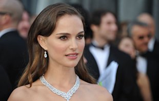 natalie portman beauty look natural oscars 2012.jpg