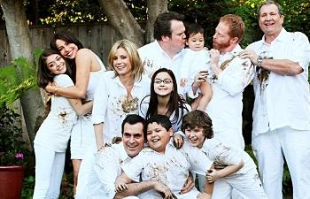 'Modern Family' Renewed; ABC Picks Up 'Back in the Game,' 'Mind Games'