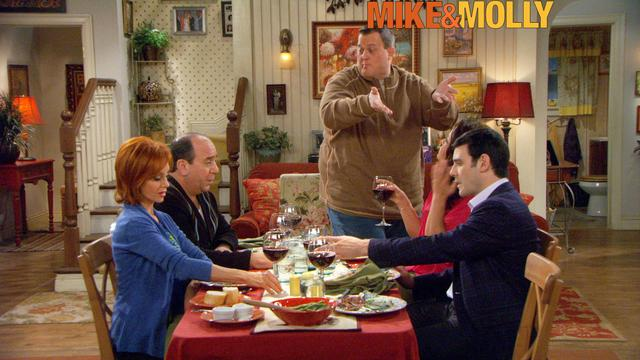 Mike & Molly - Pretty Perfect
