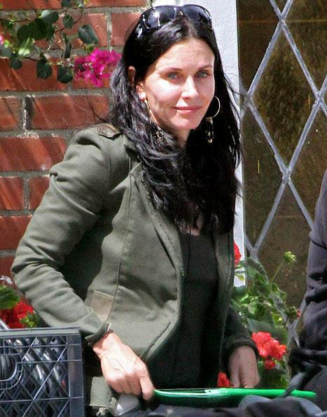 See Courteney Cox, 47, Without Makeup
