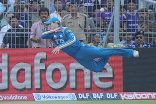 Pune Warriors India fielder Steve Smith