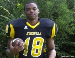 D'Iberville football player Latrell Dunbar
