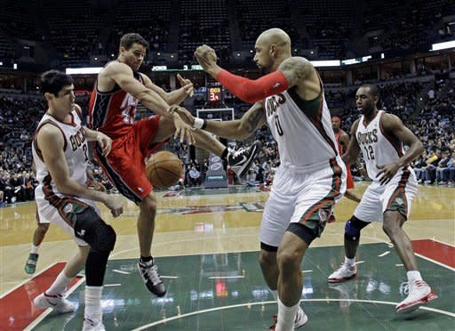 Bucks beats Nets 106-95