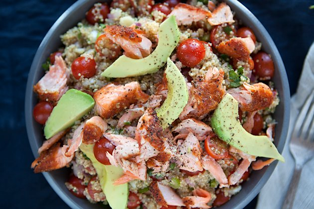 Quinoa-Salmon,-and-Avocado-Salad-Beauty