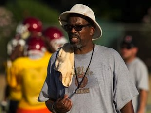 Encina coach DeWayne Norris led his school to a 2-0 start despite never previously coaching football — Sacramento Bee
