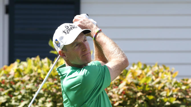 Jim Furyk takes 1-shot lead at BMW Championship